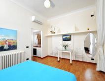 Camera Matrimoniale Classica con Vista Mare, Piscina e Giardino